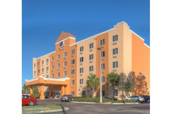 Comfort Suites Featured Image