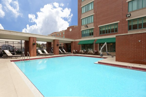 Pool Hampton Inn & Suites Hotel in Ybor City