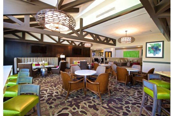 Bay Breeze Lounge