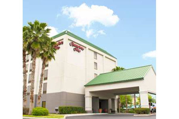 Hampton Inn Tampa Veterans Expressway Airport North Hotel.jpg