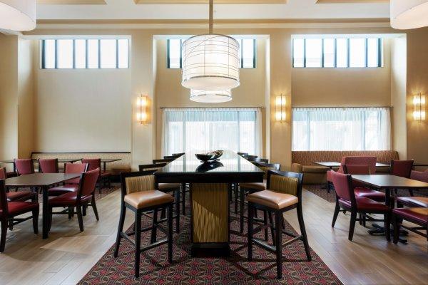 Lobby Hampton Inn & Suites Tampa Ybor City Hotels
