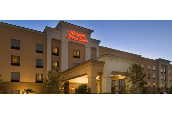 Hampton Inn and Suites Tampa East