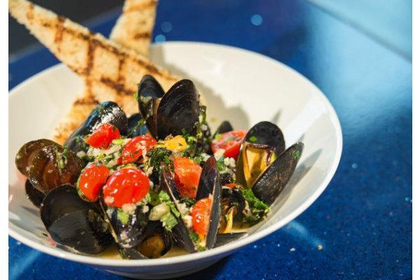 Pelagia Trattoria - Steamed PEI Mussels
