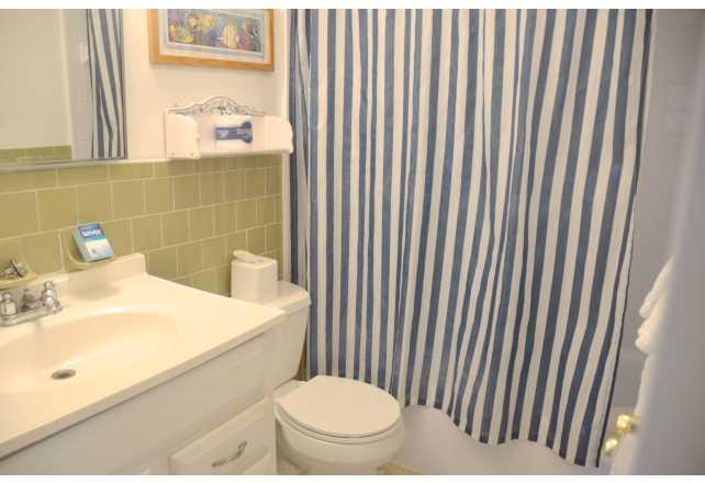 SUNNY PLACE APARTMENTS Pompano Beach FL - Bathroom place pompano beach fl