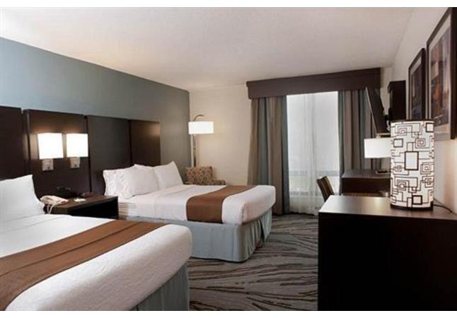 Holiday Inn Image 5