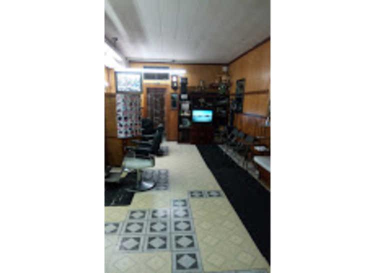 JR's Barber Shop