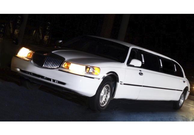 10 Passenger Lincoln Town Car