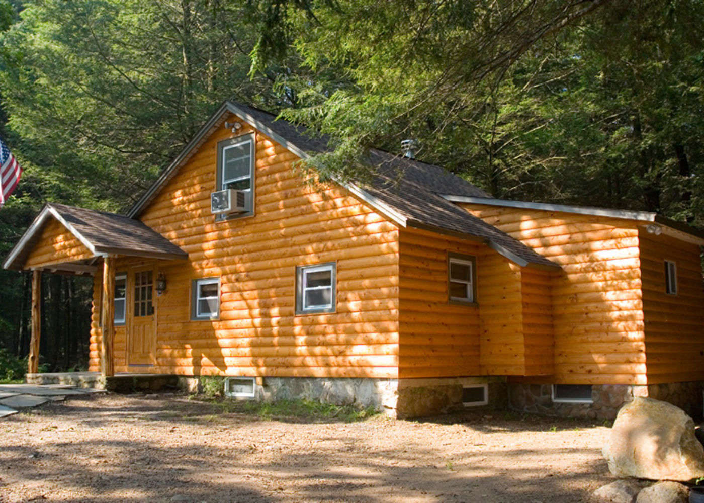 property log new mountain cabins lake private q cabin pocono ha beds k wifi mountains kitchen and pool