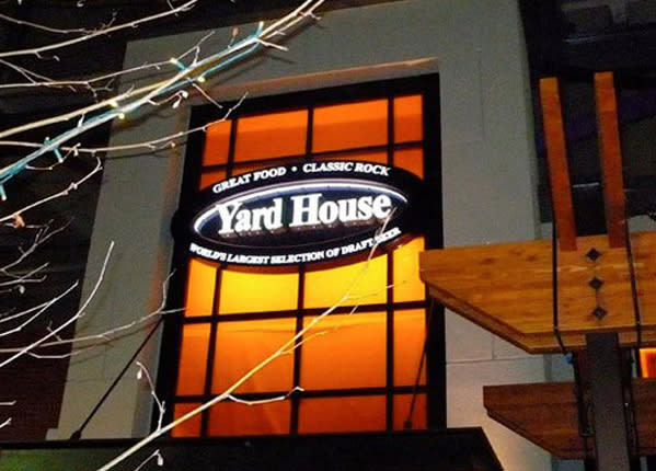 Yard House - Legacy Place