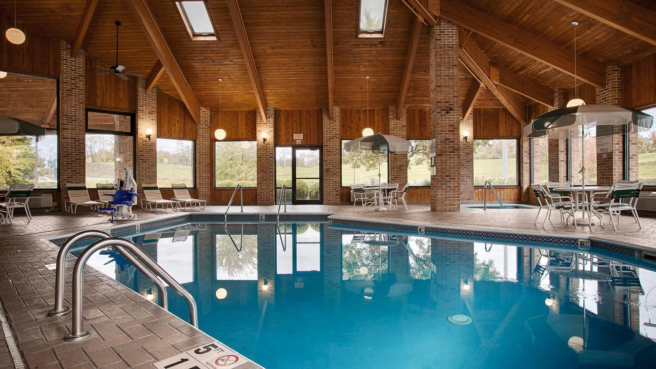Best Western Shippensburg Pool