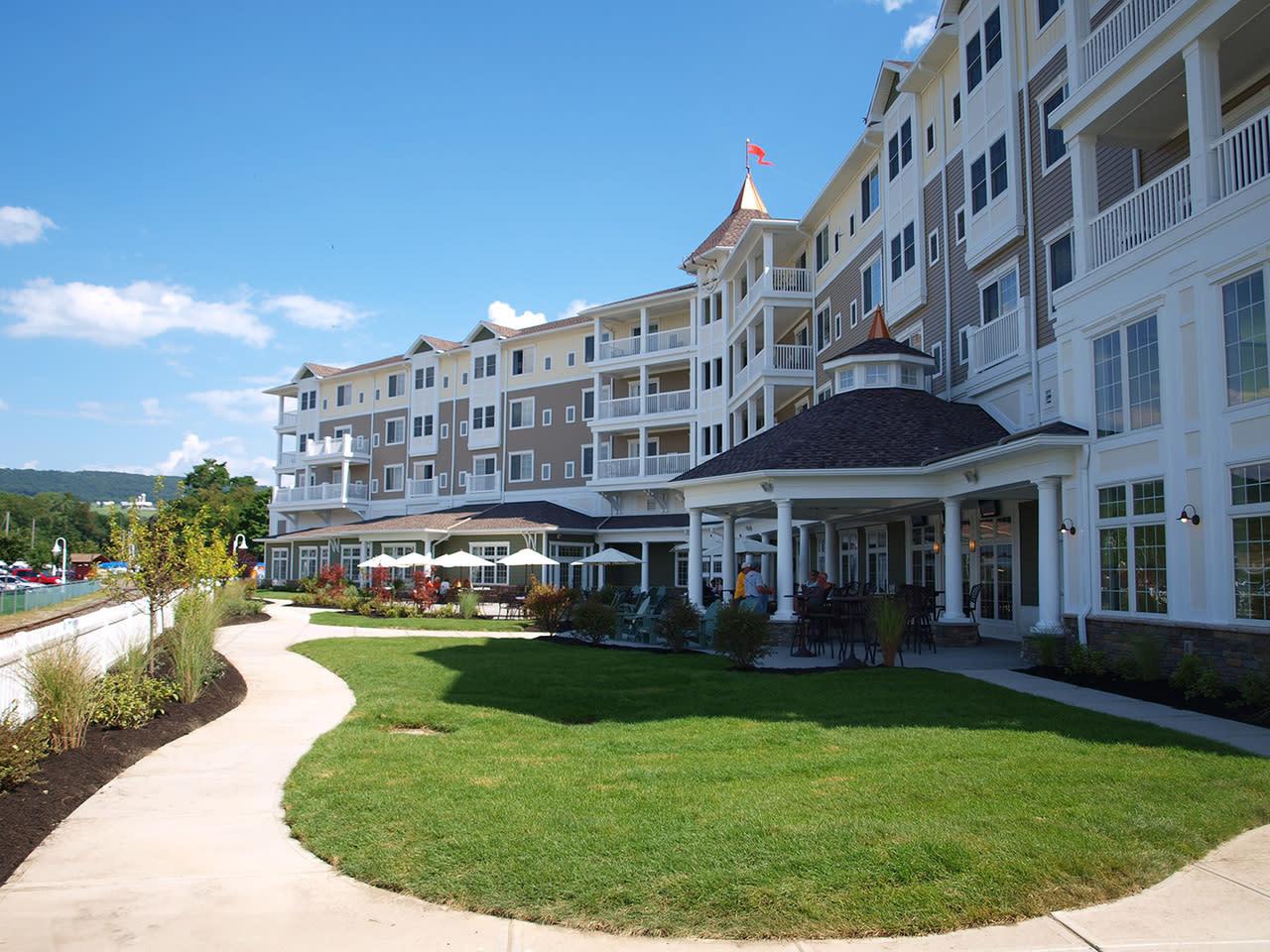 Watkins Glen Harbor Hotel 16 N Franklin St