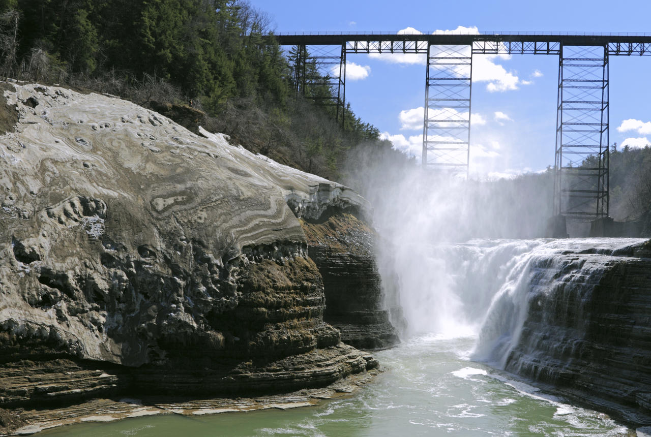 Letchworth state park mount morris ny 14427 for Cabins near letchworth state park