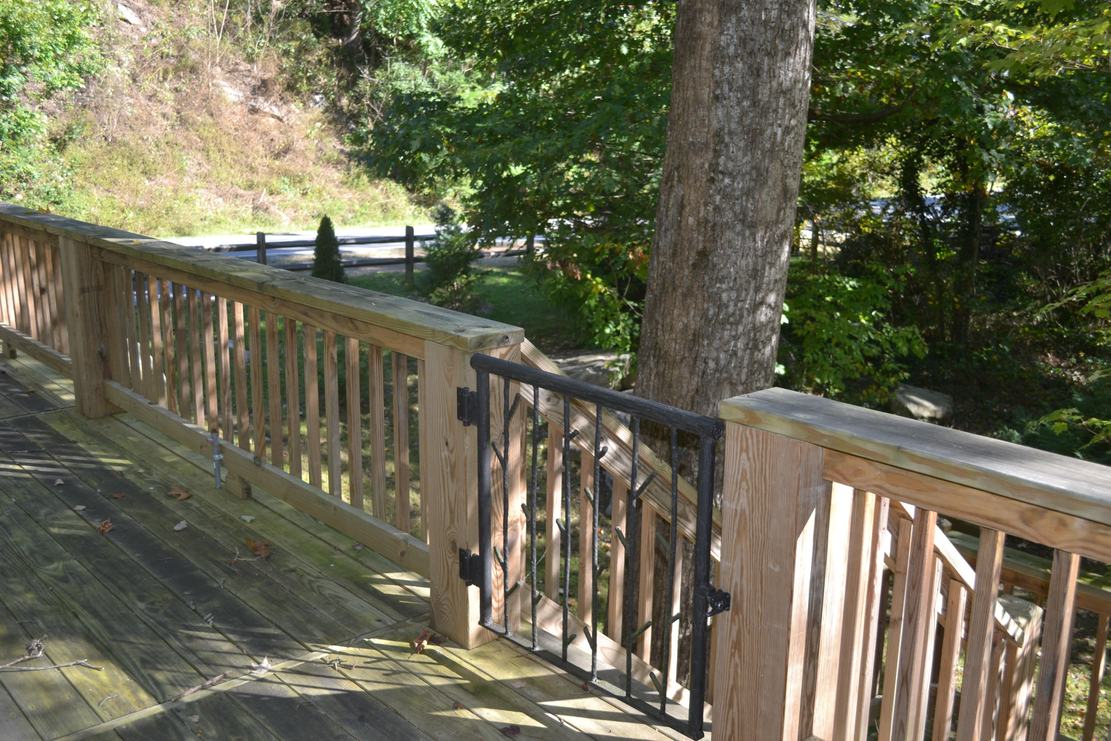 rock the dsc back listing at of esmeralda cabins chimney inn view cabin river