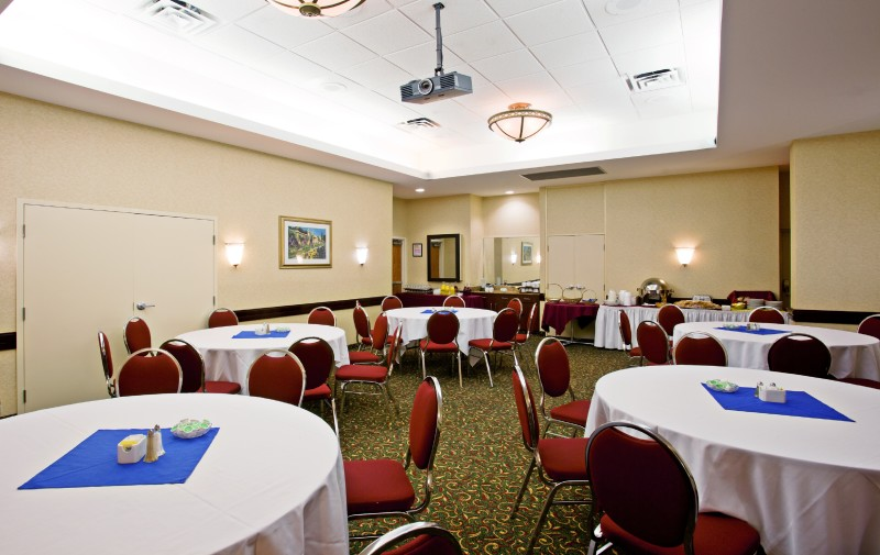 Our Plaza Room, 770 sq. ft. is located off the lobby and accommodates up to 40 people with catering services available.
