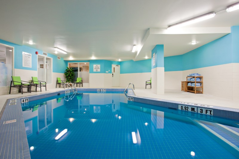 Relax at our heated indoor pool & Jacuzzi area open daily from 5:30am to 10:30pm