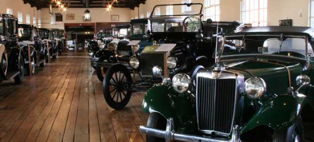 Estes-Winn Antique Car Museum