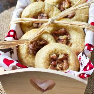 Caramel Pecan Sticky Bun Cookies #Recipe   ExploreAsheville.com