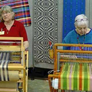 Artisan Weavers at Fiber Day