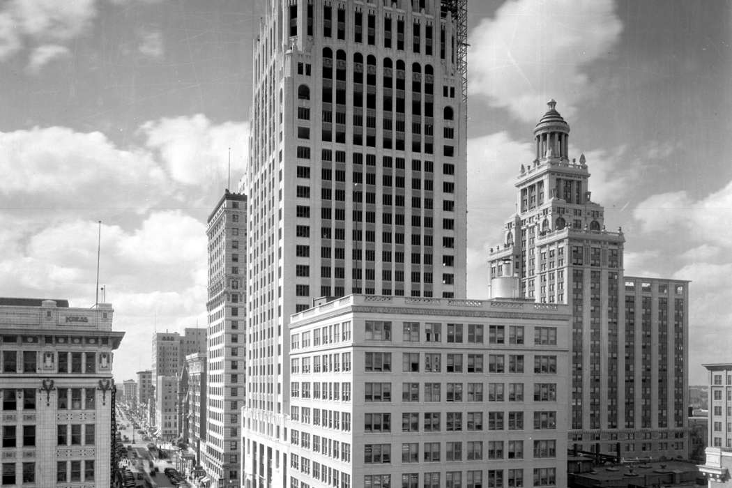 Main Capitol after Gulf Building 1929