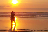 Oregon Coast Couple by Donna Traw