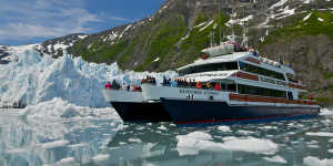 Alaska glacier sightseeing with Phillips 26 Glacier Cruises