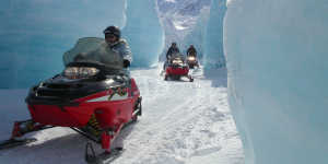 Snowmobile tours near Anchorage with Glacier City