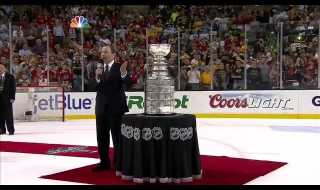 Chicago Blackhawks Hoist the Stanley Cup 6/24/13