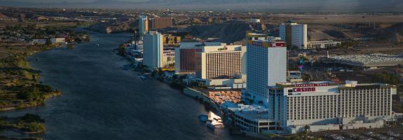 casino aztar restaurants