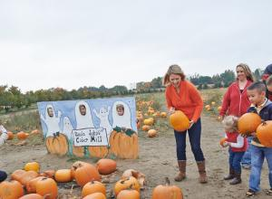 Uncle John's Cider Mill Pumpkin Patch