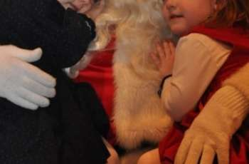 North Pole Stroll Brings a Month of Christmas Fun