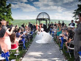 Wedding locations in the pocono mountains plan your pocono wedding junglespirit Images