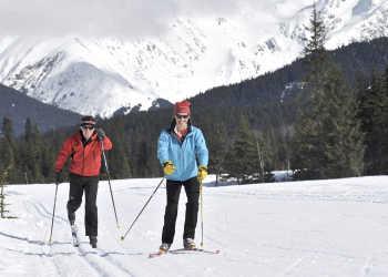 Cross country skiing in Moose Meadows in Girdwood