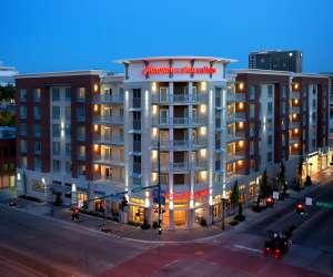 Hampton Inn Suites DT