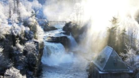 Ausable Chasm Winter Tours - Photo by Adirondack Coast Visitors Bureau