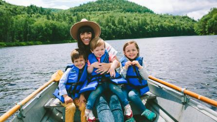 Family Influencer_Naomi Davis in Adirondacks