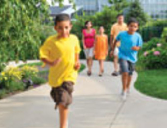 Family - Running at Gardens