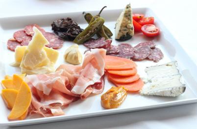 Plate at manna