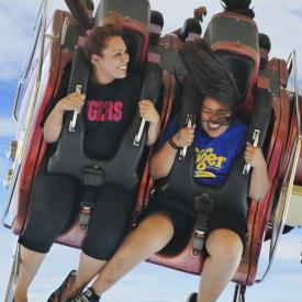 mother daughter having fun at wonderland park