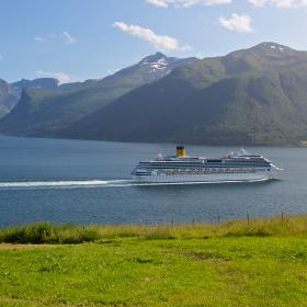 Cruise Official Travel Guide To Norway Visitnorwaycom - Cruise to norway