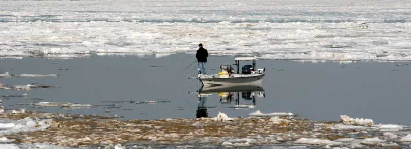 Fishing-in-Shelf-Ice-Portage-Lakefront