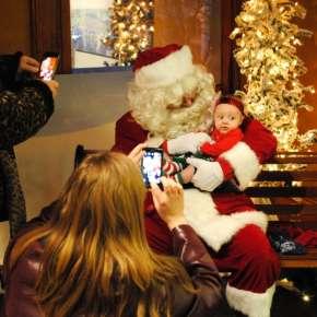 Santa Sighting at the Embassy Theatre - Fort Wayne