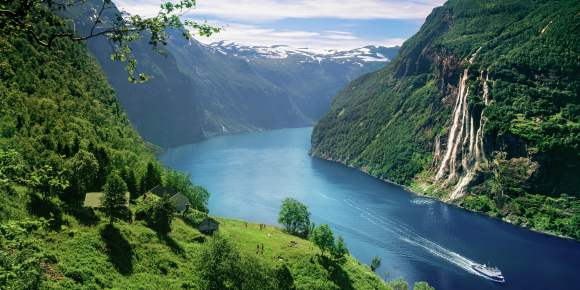 The Geirangerfjord Area Norway Fjords And Waterfalls - Norway map geirangerfjord