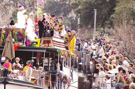 Mardi Gras - The Krewe of Tchefuncte boat parade