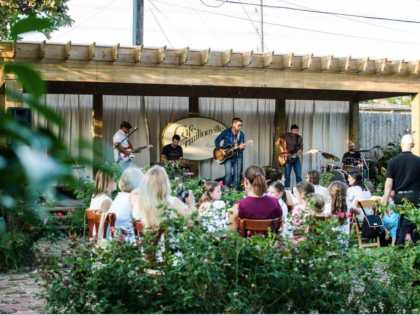 Cafe Vermilionville's Courtyard Series