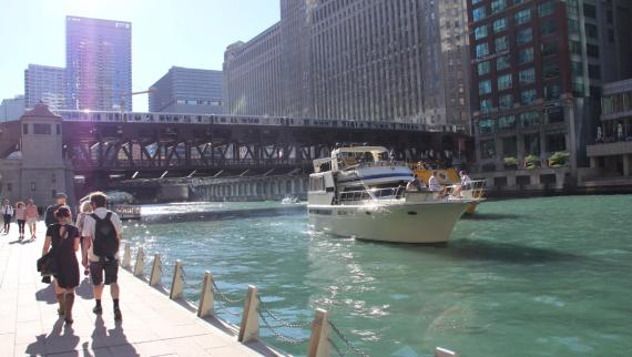 10 Things You Should Absolutely Do on the Chicago Riverwalk