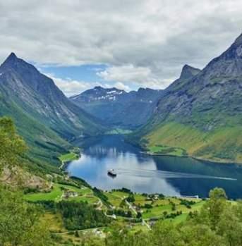 Hjørundfjorden & Norge i et nøtteskall