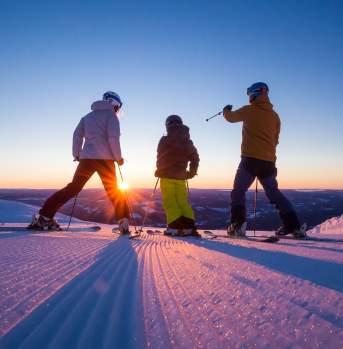 Zachód słońca na stoku narciarskim w Trysil