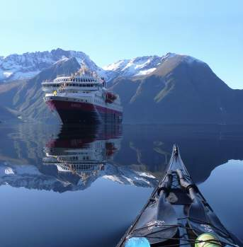 Kayaking, Hjørundfjorden