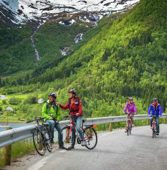 Bike ride in Balestrand