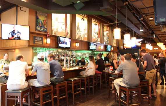 Rock Bottom Restaurant Brewery In Denver